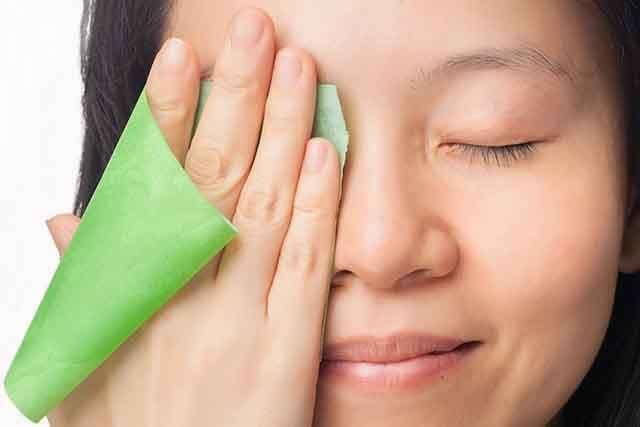Moisturizer untuk kulit berminyak? Ini tips kami!